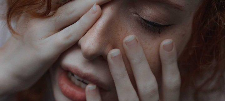 Frau in Angst -  Foto von Ana Bregantin from Pexels